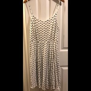Black and White Graphic Print Old Navy Dress